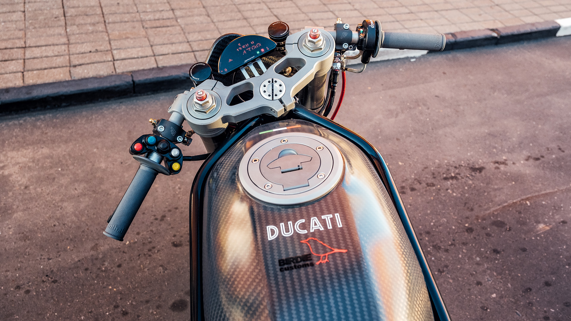 DUCATI SS900 1999 Birdie Custom
