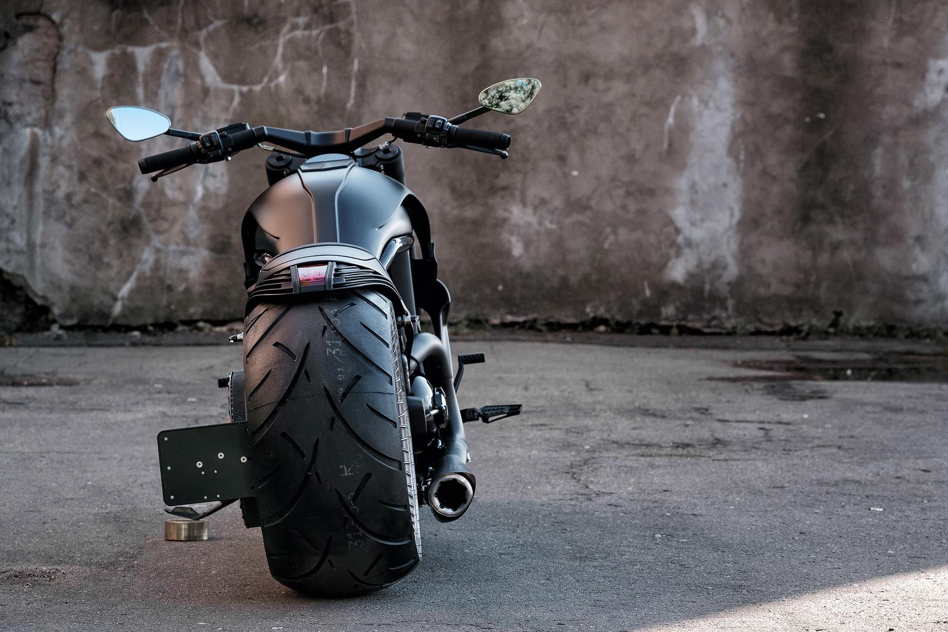 Custom на базе Harley-Davidson V-Rod от Box39