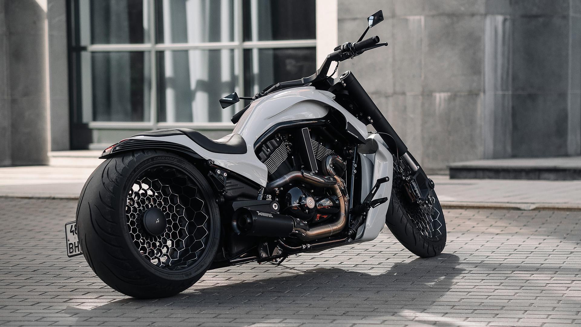 Harley Davidson V-Rod Custom box39